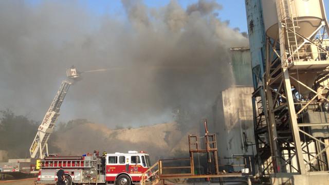Fall-River-Mass-Cement-Plant-Fire-6.JPG