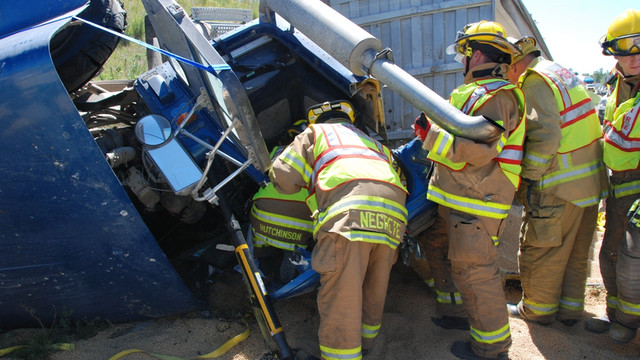 Pleasant-Hill-Heavy-Truck-Extrication-1.png