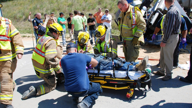 Pleasant-Hill-Heavy-Truck-Extrication-2.png