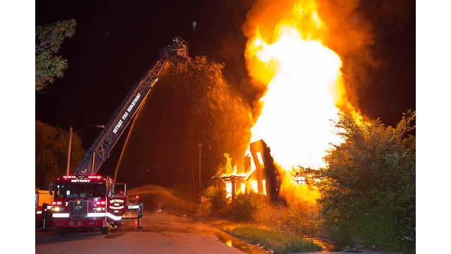 Tourist-Firefighter-Detroit-Fire-Department-1.jpg