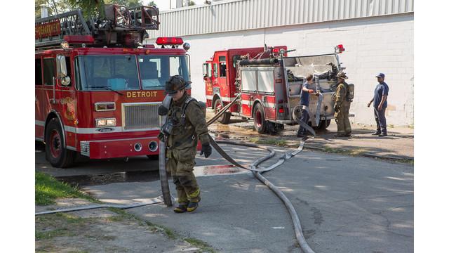 Tourist-Firefighter-Detroit-Fire-Department-3.jpg