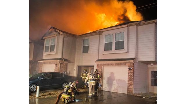 fort-worth-townhouse-fire-2.jpg