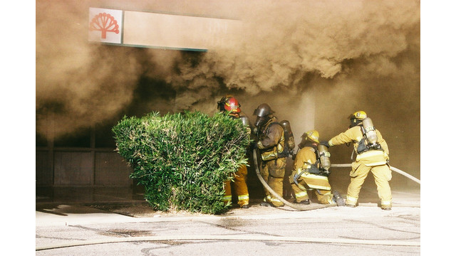 tuscon-strip-mall-fire-3.png