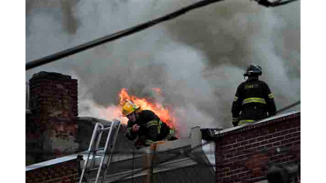 philly-warehouse-fire-2.jpg