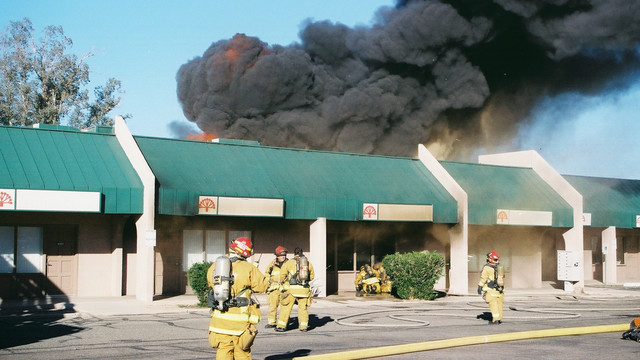 tuscon-strip-mall-fire-4.png