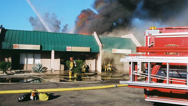 tuscon-strip-mall-fire-6.png