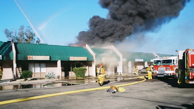 tuscon-strip-mall-fire-7.png