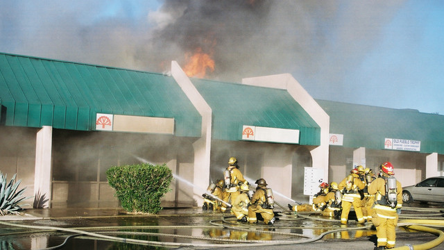tuscon-strip-mall-fire-.png