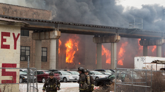 chicago-warehouse-fire-1.jpg