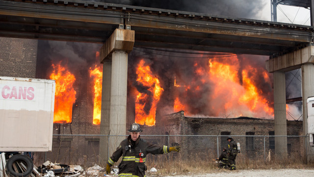 chicago-warehouse-fire-2.jpg