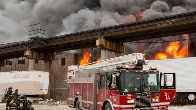chicago-warehouse-fire-4.jpg