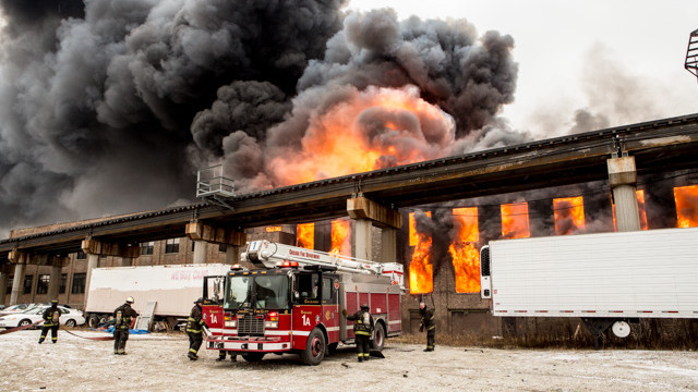chicago-warehouse-fire-5.jpg