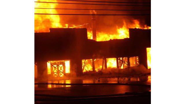 paris-warehouse-fire-1.jpg