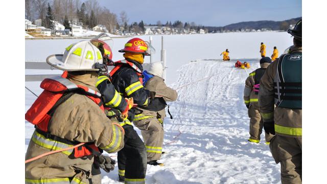 Machias-ice-rescue-training-4.png