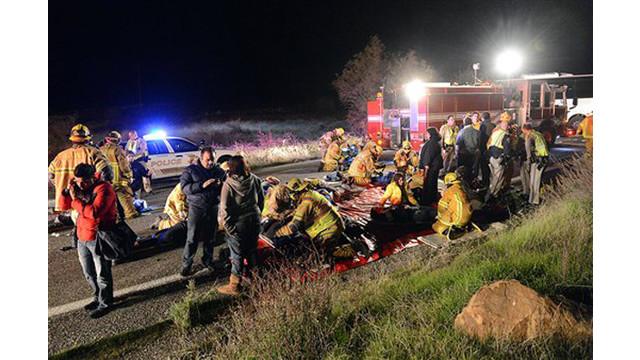 tour-bus-crash-4.jpg