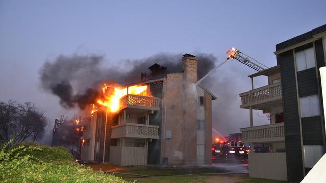 san-antonio-apartment-fire-1.png