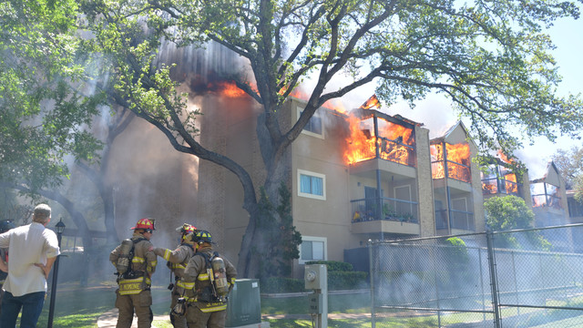 san-antonio-apartment-fire-1.png
