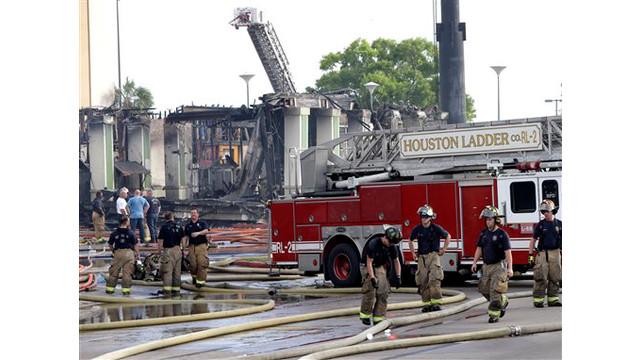 houston-fatalf-fire-16.jpg