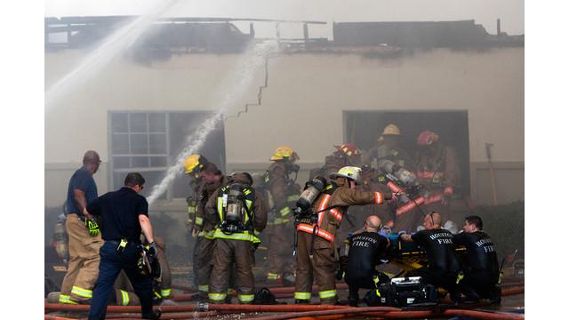 houston-fatalf-fire-4.jpg