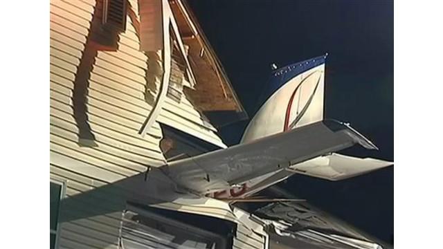 plane-into-apt.jpg