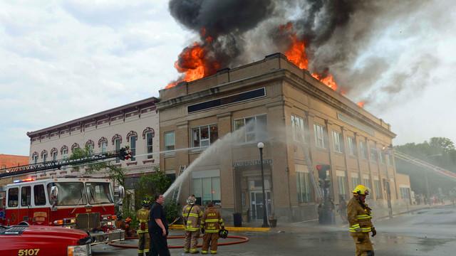 lincoln-sr-center-fire-firehouse-1.png