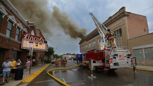 lincoln-sr-center-fire-firehouse-3.png