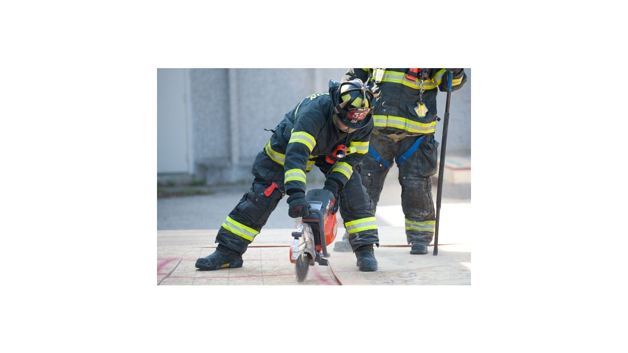 Do Firefighters Train On Vertical Ventilation Firehouse