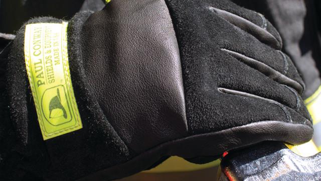 newprods-8-13-pcs-glove-3x3_10984781.psd
