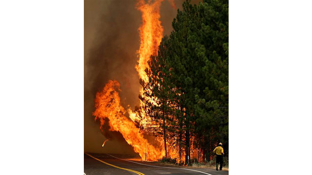 63851a69-5f03-42b2-9efd-6b0ccc054de1-APTOPIX-Western-Wildfires-Yosemite.sff.jpg
