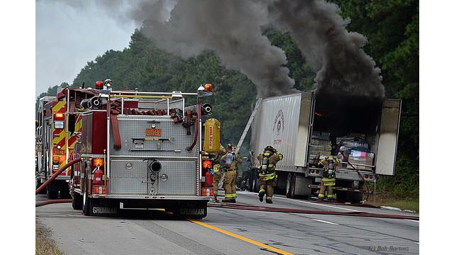 truck-fire-8.JPG
