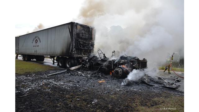 truck-fire-9.JPG