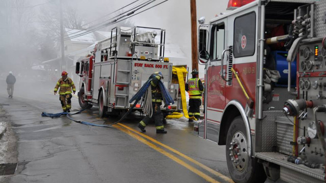 carbondale-firefighters-hurt-1.jpg