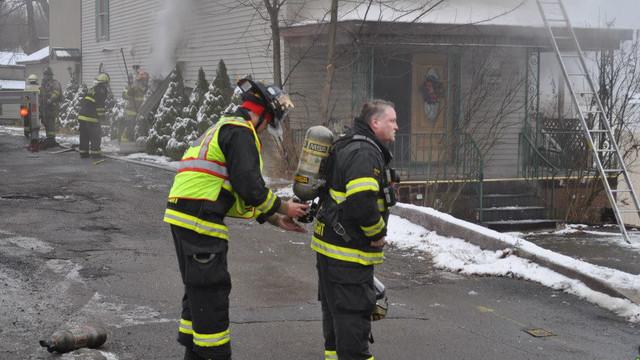 carbondale-firefighters-hurt-11.jpg