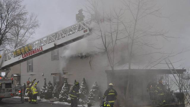 carbondale-firefighters-hurt-12.jpg