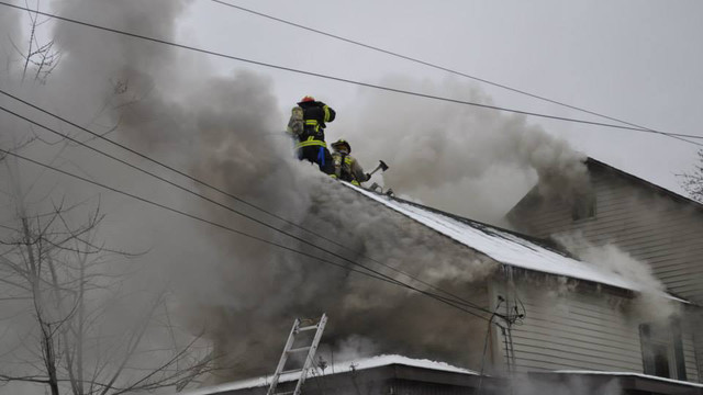 carbondale-firefighters-hurt-13.jpg