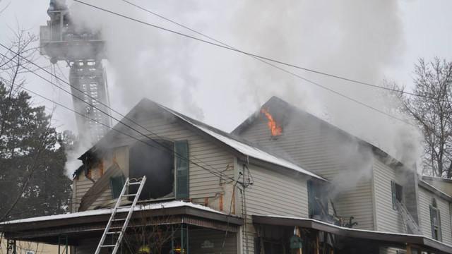 carbondale-firefighters-hurt-18.jpg