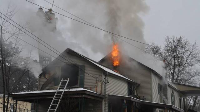 carbondale-firefighters-hurt-19.jpg