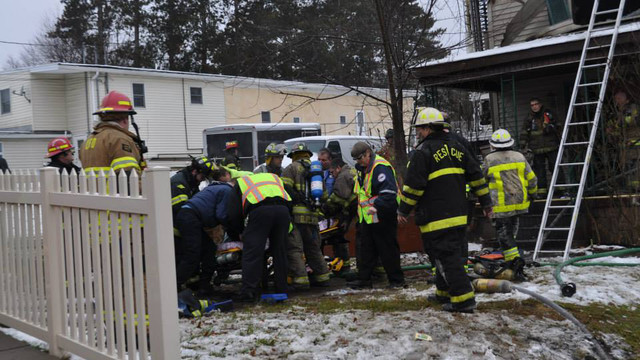 carbondale-firefighters-hurt-20.jpg