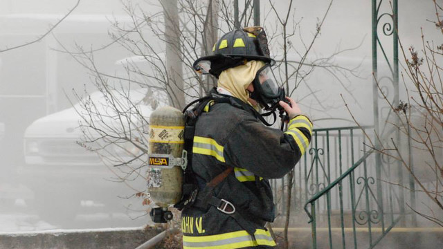 carbondale-firefighters-hurt-21.jpg