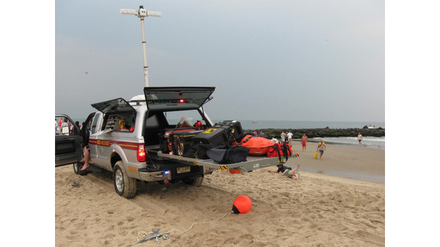 rescue_on_beach_3_18gbkhaq1asls.jpg