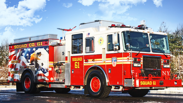 FDNY-Squad-61-Pumper-with-Eagle-Mural.jpg