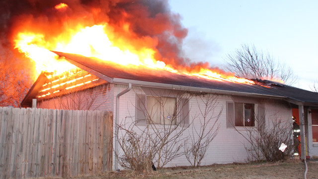 moore-house-fire-2.png