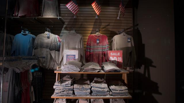 Chelsea-Jeans-storefront-Credit-Jin-Lee.jpg