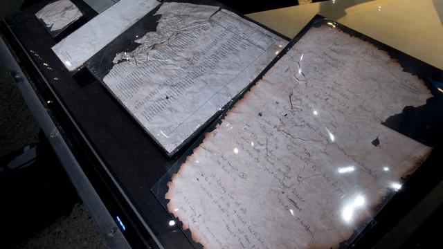 Handwritten-notes-in-Historical-Exhibition-Credit-Jin-Lee.jpg
