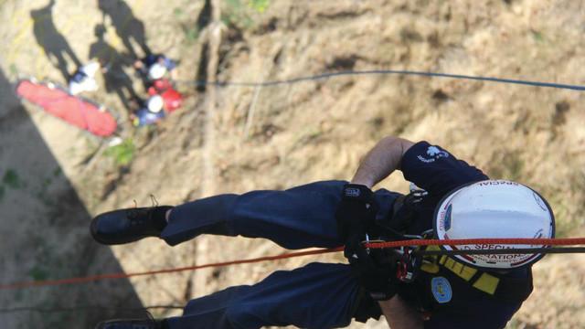 rescue-team-2_11485859.psd