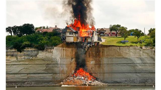 texas-house-burns-1.jpg