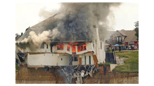 texas-house-burns-3.jpg