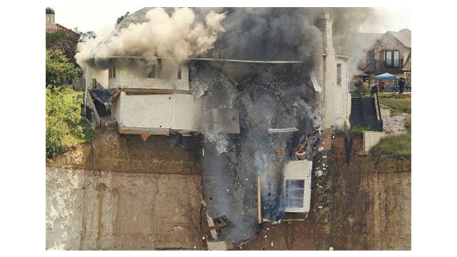 texas-house-burns-4.jpg