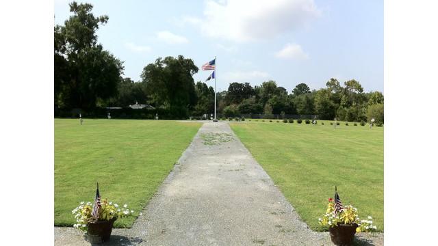 charleston-9-memorial.jpg