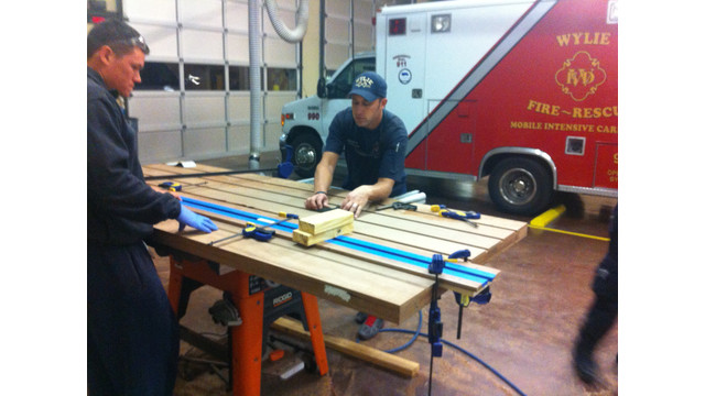 how to make a firehouse kitchen table